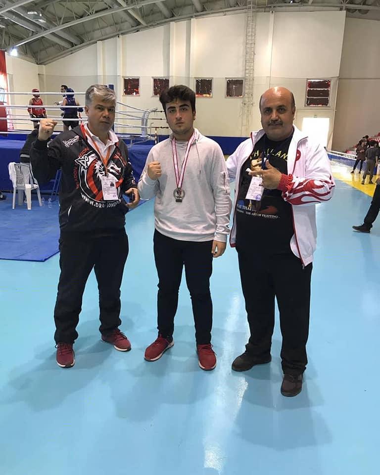 Öğrencimiz Çağdaş Taha Bayraktar Türkiye MuayThai Şampiyonası Mersin ikincisi oldu